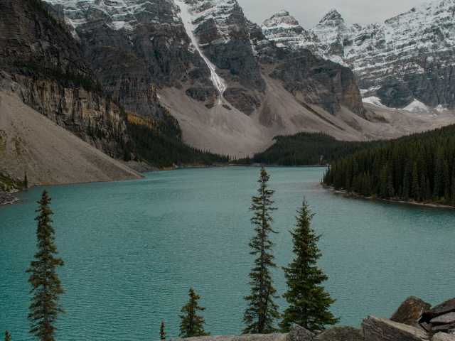 Moraine Lake - Ice