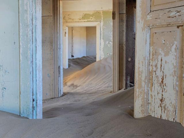 Kolmanskop - Doors 1