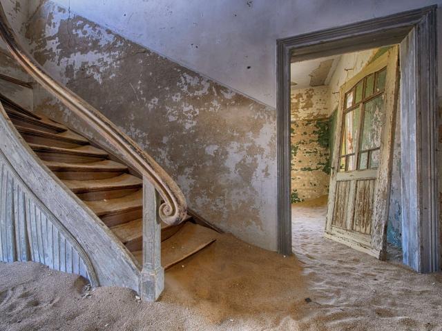 Kolmanskop - Staircase
